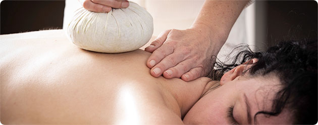 kokosstempel massage